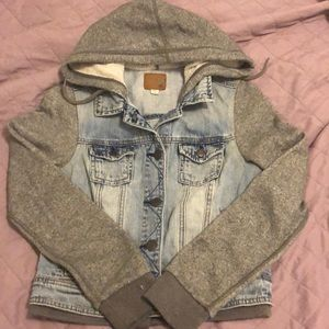 AEO Fleece Sleeve Denim Jacket